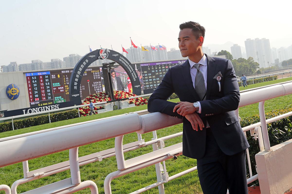 浪琴表優雅形象大使彭于晏應邀出席,並頒發浪琴表優雅腕表予「浪琴表風尚大獎」比賽的勝出者。