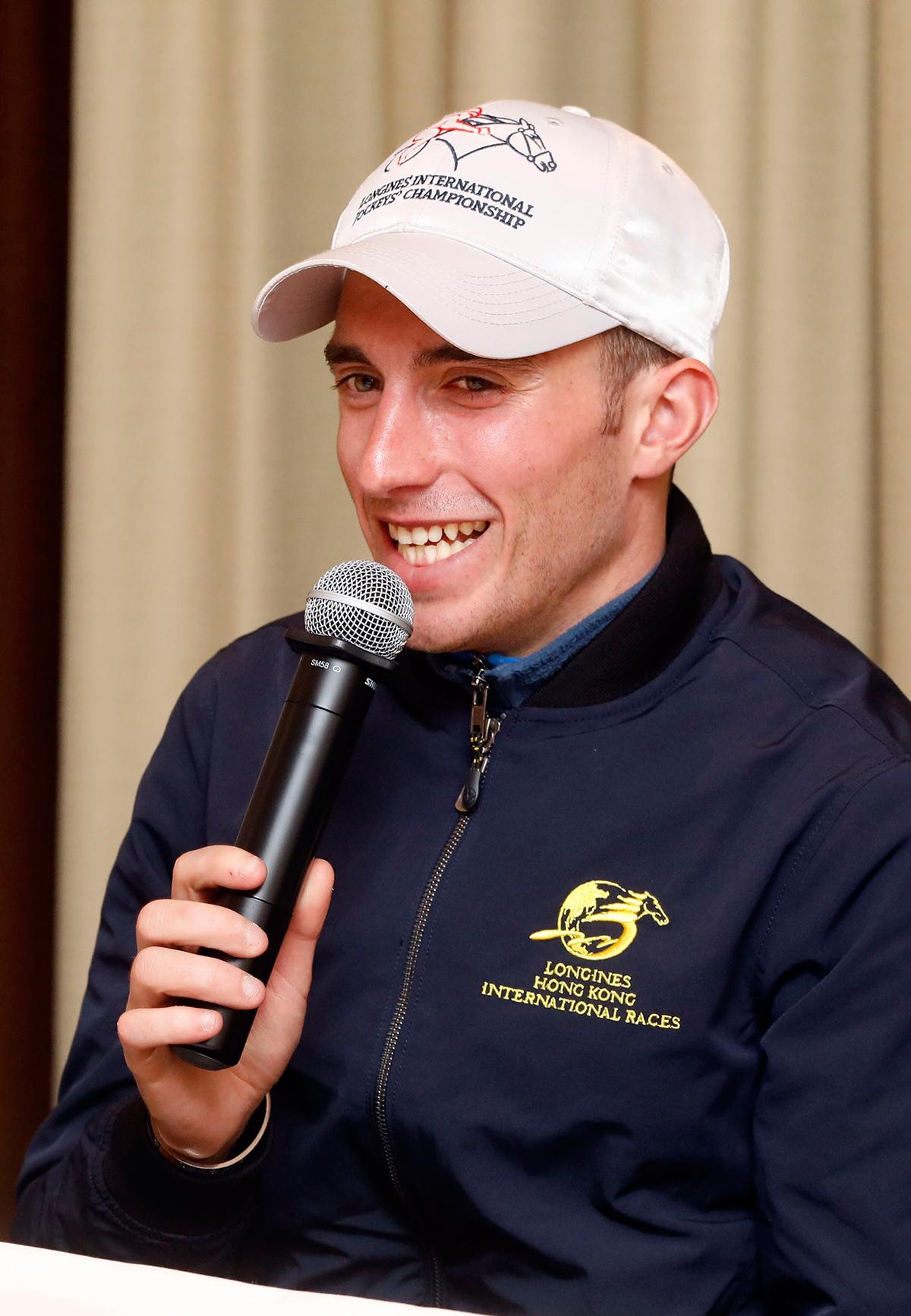 馬會騎師布達德今晨於沙田馬場與傳媒會面及接受提問。