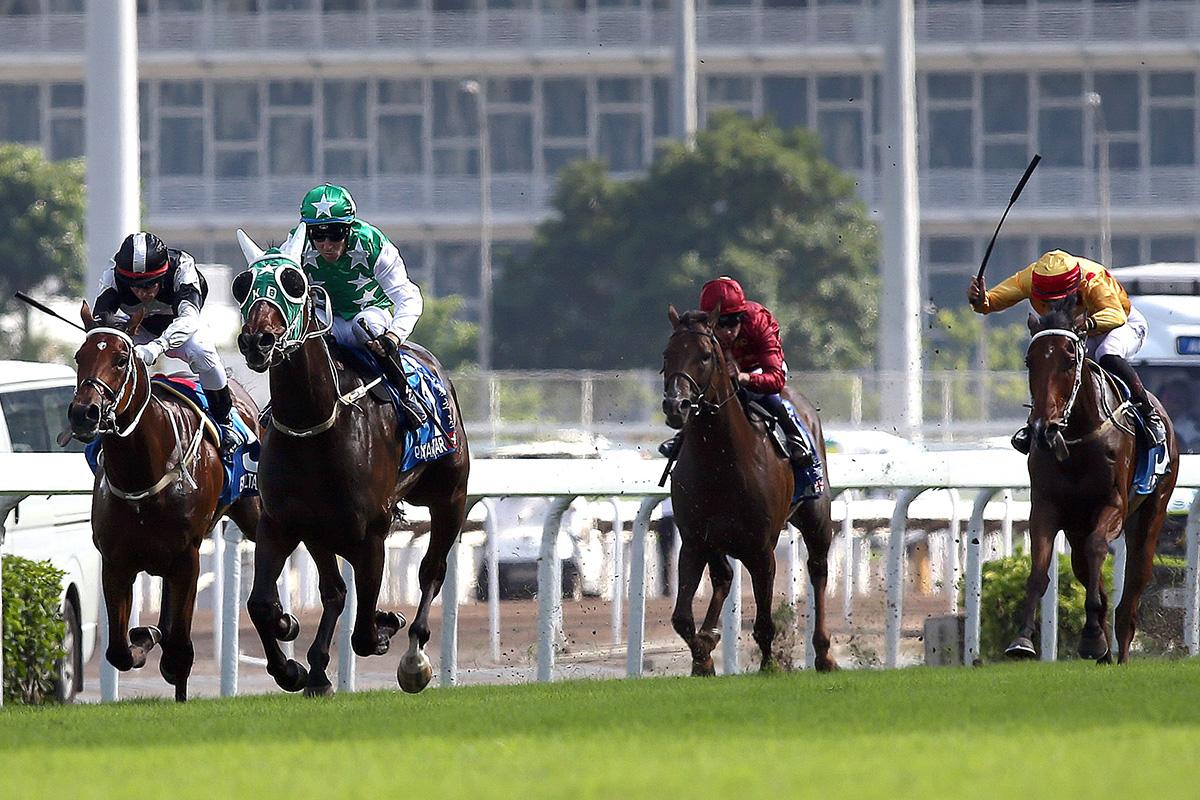 渣打冠軍暨遮打盃今日於沙田馬場舉行,由告東尼訓練、貝湯美策騎的「巴基之星」(1號馬)率先衝過終點,勝出此項途程2400米的國際一級賽。