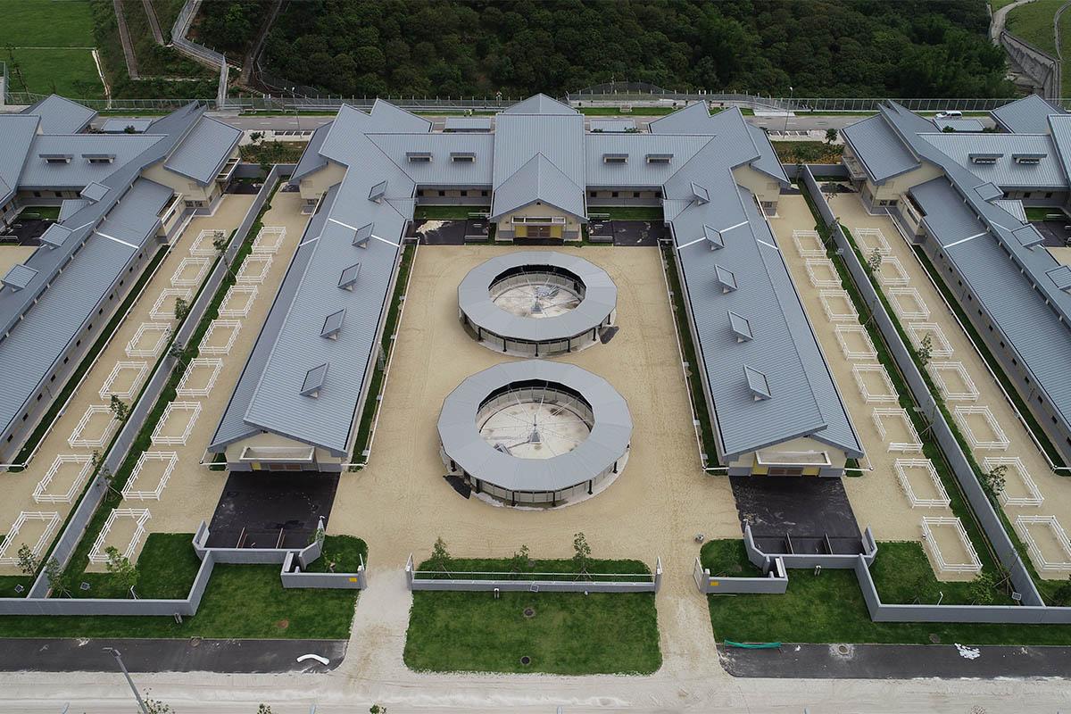 從化馬匹訓練中心即將竣工,並於八月正式開幕。