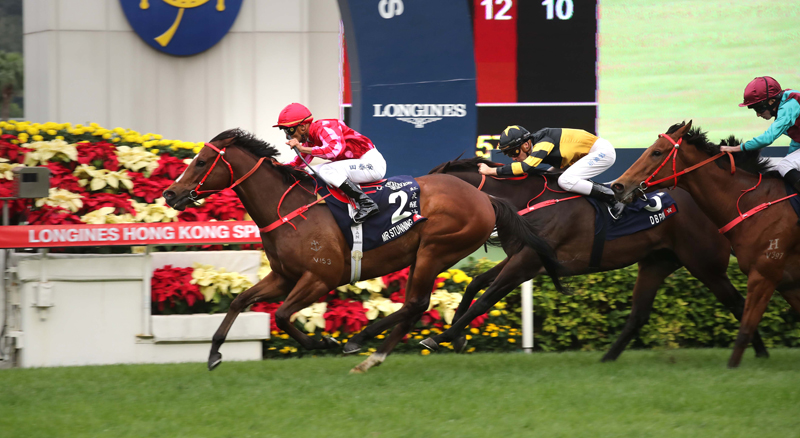 Frankie Lor-trained Mr Stunning (No.2) under Karis Teetan defeats D B Pin (No.3) to win the G1 LONGINES Hong Kong Sprint at Sha Tin Racecourse today.