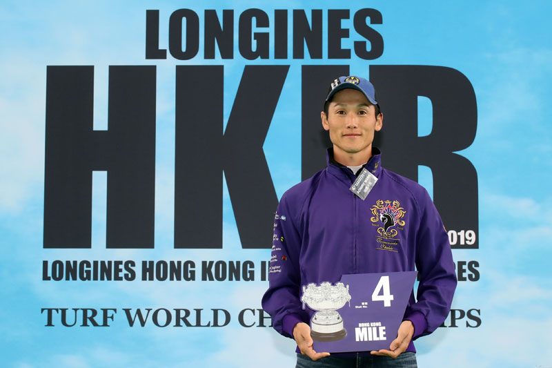 LONGINES Hong Kong Mile – The Owner's representative draws Gate 4 for Japanese runner Admire Mars.
