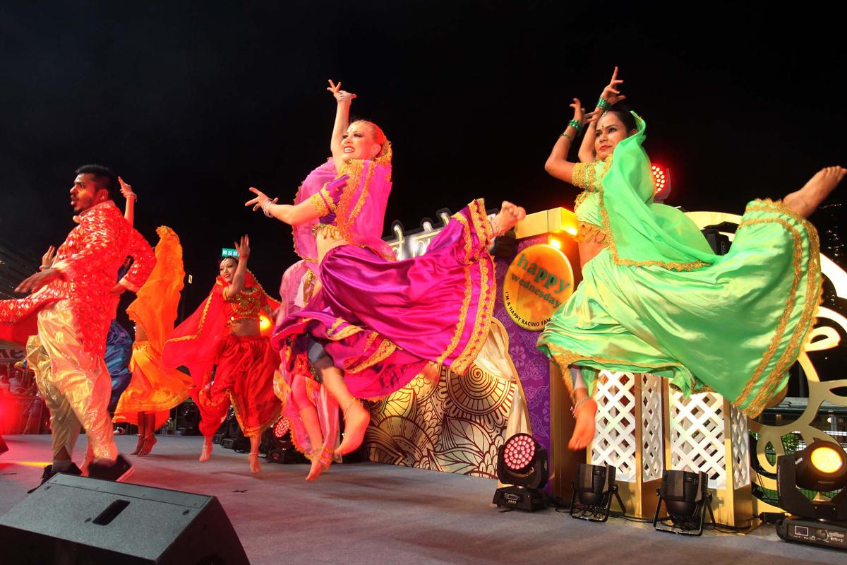 舞蹈員將呈獻節奏強勁的Bollywood Dance。