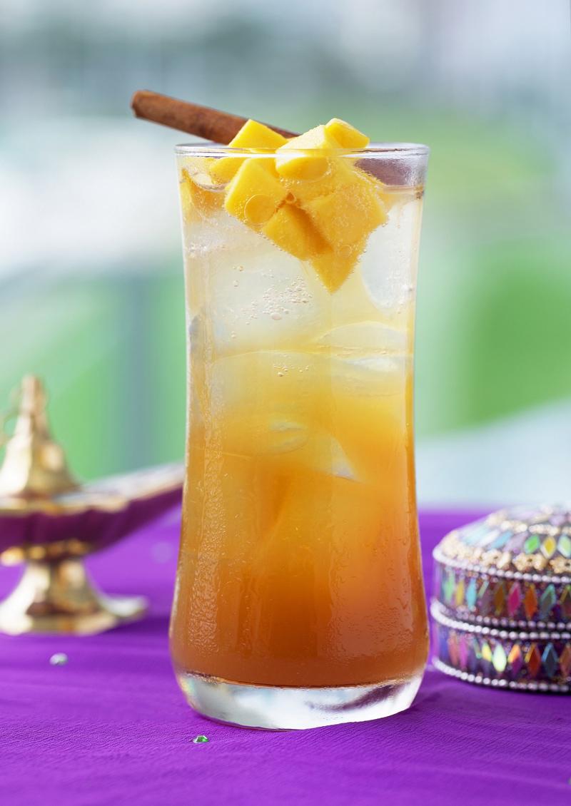 adrenaline 呈獻的佳餚以及兩款飲品Sprint'n Spice,與Pink Passion均滿載Bollywood 風情。Jennifer Palor 與駐場樂隊將傾力演出。