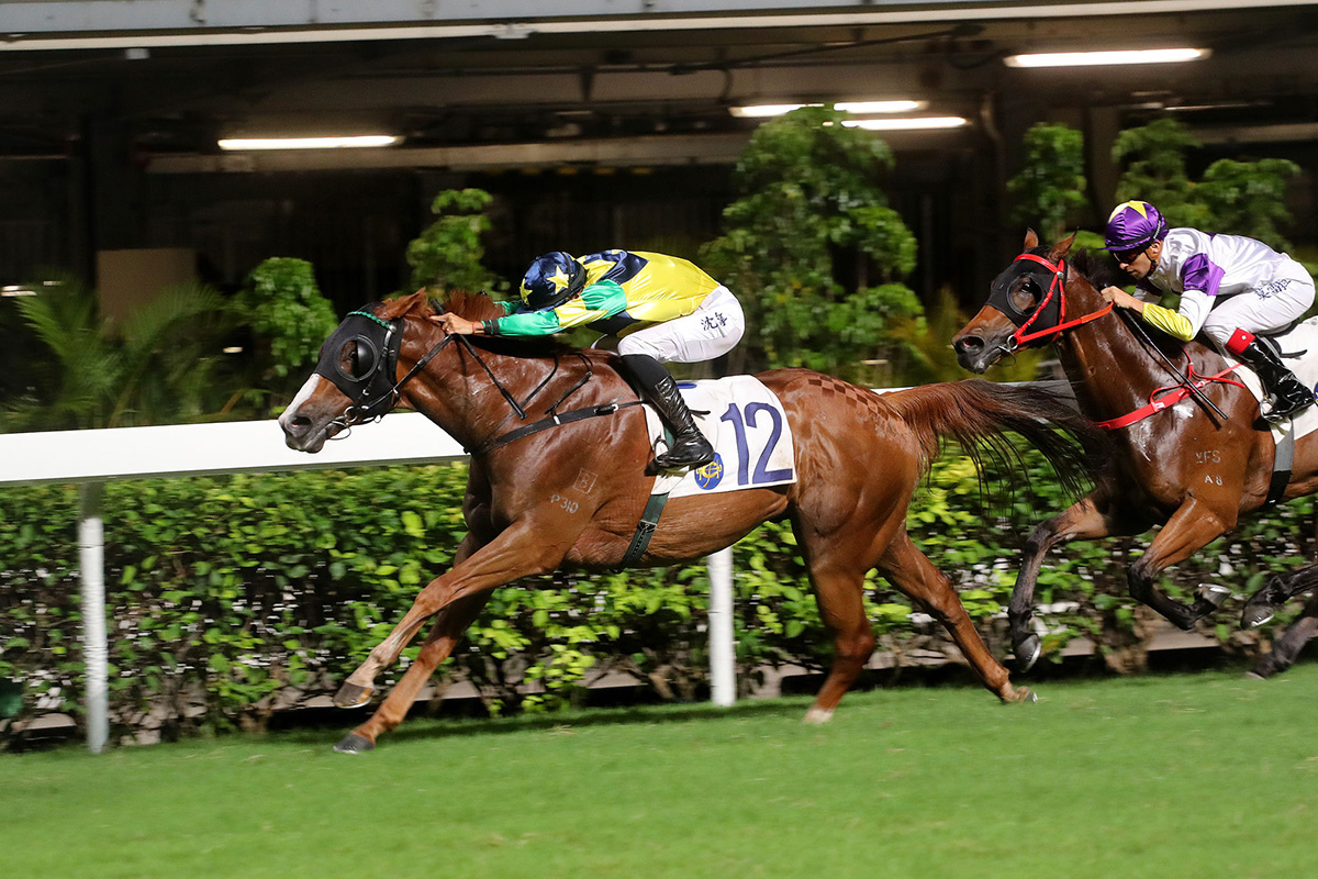 Alberto Sanna enjoys a Hong Kong breakthrough aboard Triumphant Jewel in race five.