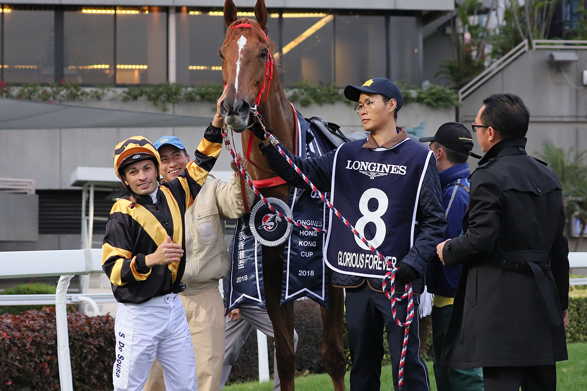 Silvestre de Sousa enjoys a wonderful week, first taking the LONGINES IJC and then his first G1 win in Hong Kong.
