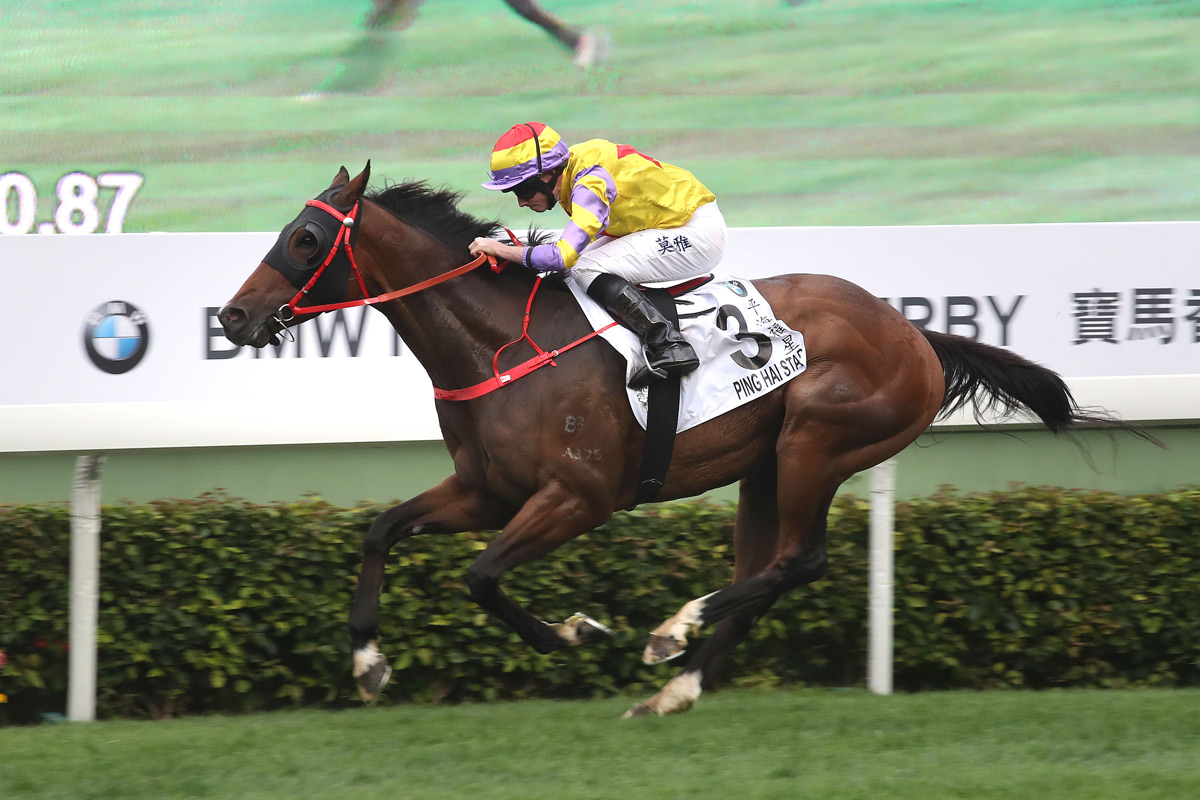 John Size won the Derby for a third time with Ping Hai Star in 2018.
