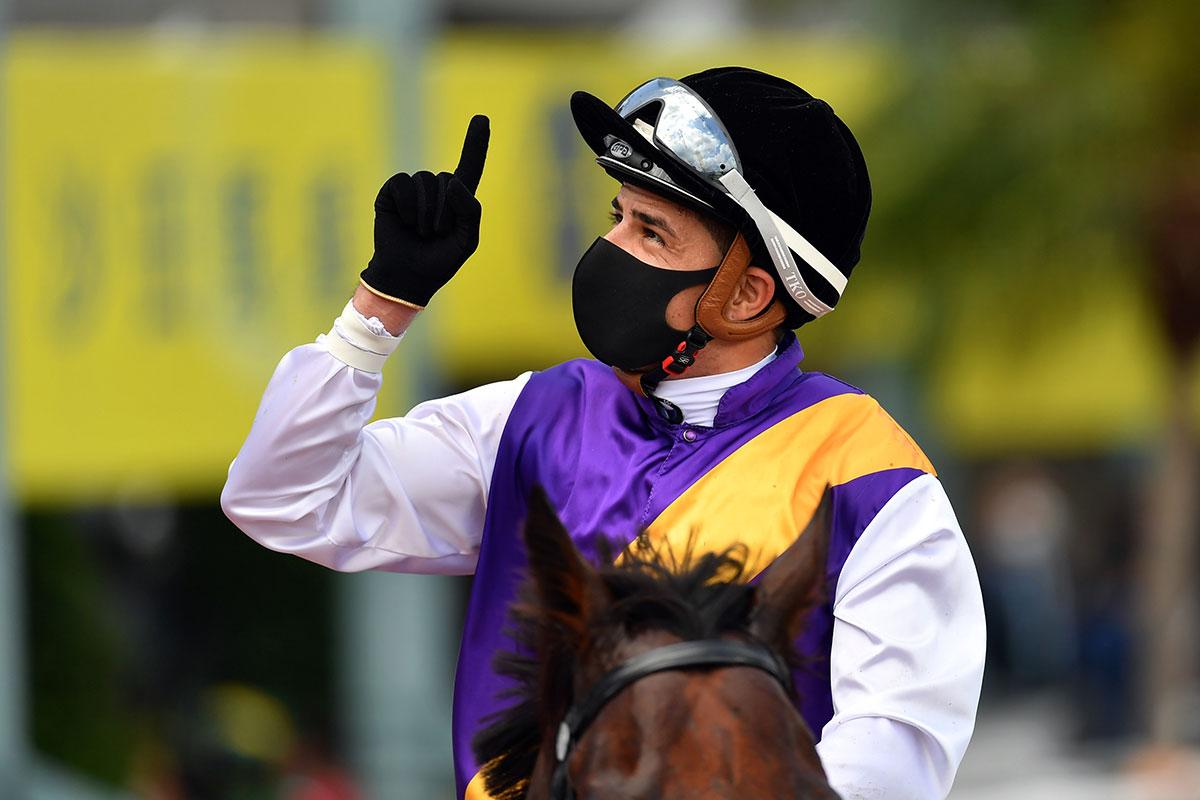 Ruan Maia celebrates the win.